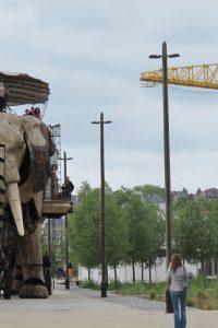 nantes-mai-2010-elephant-et-grue